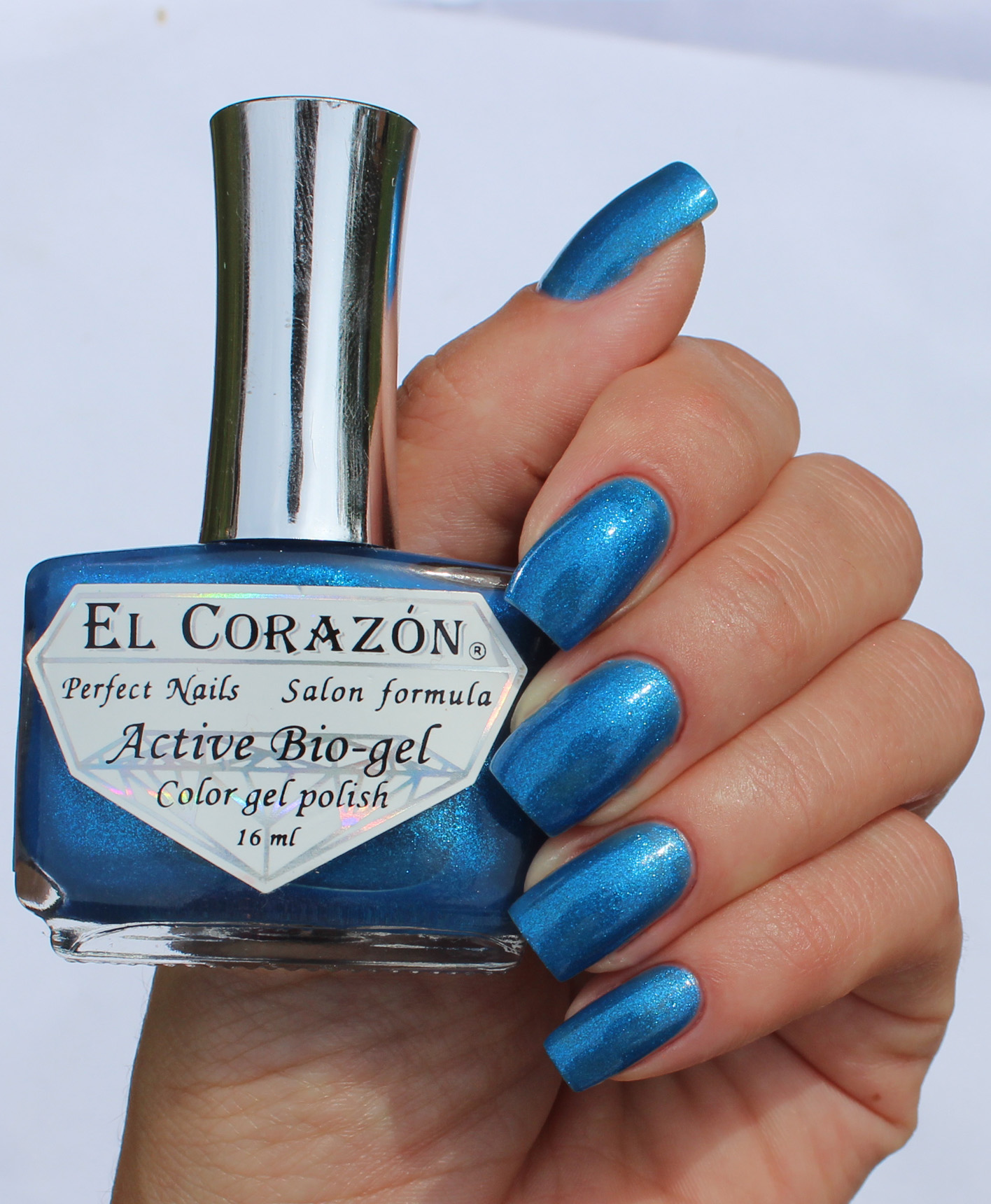 EL Corazon Active Bio-gel Color gel polish Magic №423/576 Magic Heart of Ocean